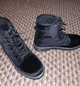 Чёрные велюровые ботиночки