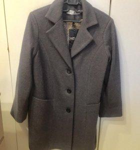 Пальто новое на девочку