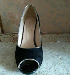 Продам женскую обувь 40 размера