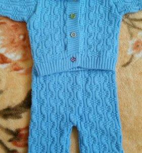 Продам тёплый костюмчик на малыша