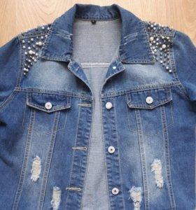 Продается женская джинсовая куртка