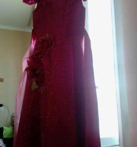 Платья выпускное с падьюбником