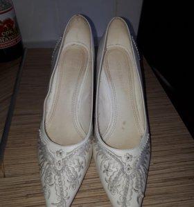 Свадебные туфли р. 39