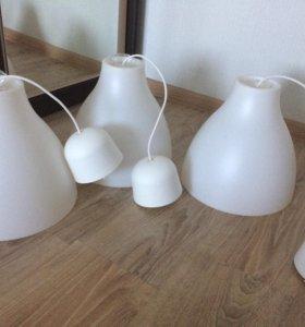 Подвесные светильники. Белые, матовые. Пластмасс.