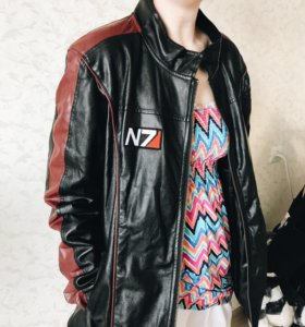 Куртка кожаная для фанатов Mass Effect 😱