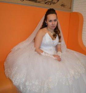 Свадебное и платье