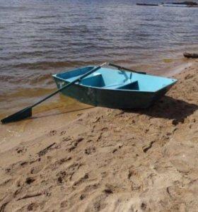 Продам лодку из фанеры