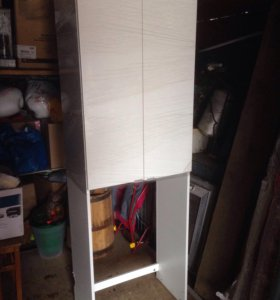 Шкаф под стиральную машину,3 полки внутри.