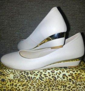 Новые!Туфли-лодочки,классика.Для свадьбы-Идеально!