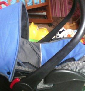 Детское кресло автолюлька
