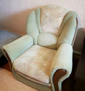 Мягкие кресла (кардинал)