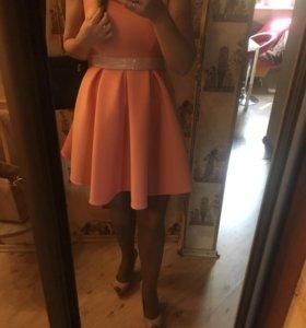 Персиковое платье неопрен 🍑