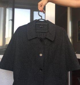 Пальто Motivi новое размер 44 шерсть 100 процентов