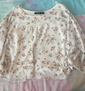 Белая блузка с цветами bershka