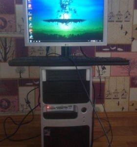 Компьютер в комплекте.