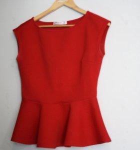 Красная кофта с баской