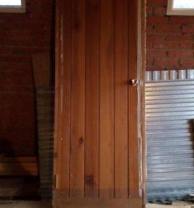 Двери деревянные крестьянские б/у с коробкой