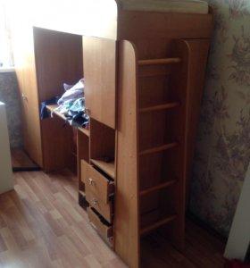 Двухъярусные кровати с рабочими столами шкафами