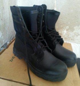 Ботинки (бертцы)