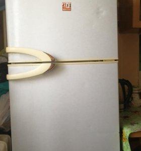 Холодильник Daewoo fr300