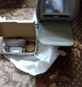подголовник с DVD монитором
