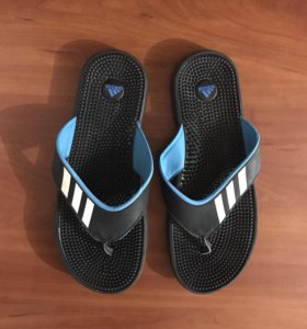 Сланцы Adidas (р-р 42-43)