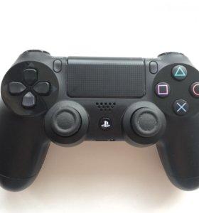 Геймпад PlayStation 4 в идеальном состоянии
