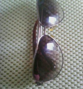 Солнечные очки.