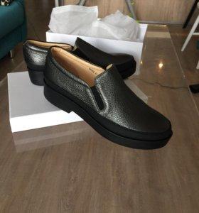 Новые кожаные женские ботинки vitacci 41