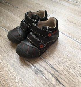 Туфли, кроссовки