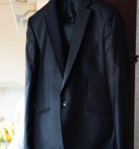Классический мужской костюм (пиджак, брюки)
