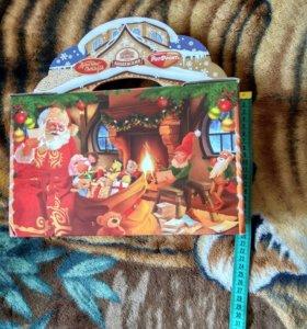 Коробочка из-под новогоднего подарка