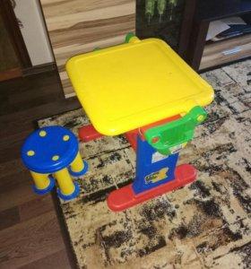 Детский столик Мольберт.