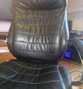 Кресло кожанное