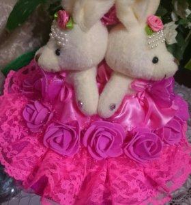 Букет из игрушек три зайчонка