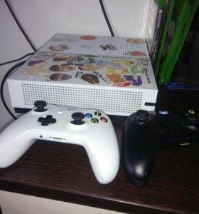 Xbox one s , 2 геймпада, много игр