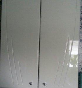 подвесной шкаф в ванну