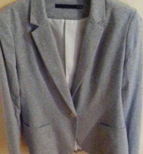 Пиджак новый 44 размер