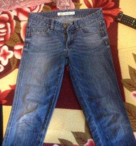Продам две пары джинс
