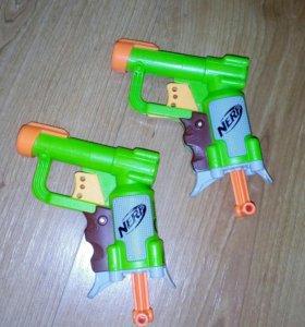 Два пистолета NERF, в отличном состоянии