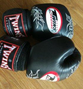 Боевые перчатки для Тайского бокса