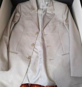 Мужской костюм+галстук+ремень