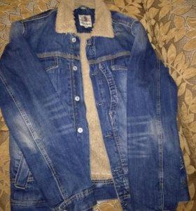 Джинсовая демисезонная куртка
