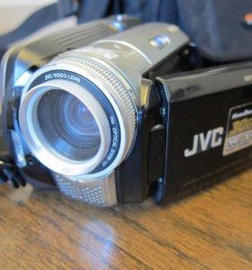 Видеокамера JVC-77E