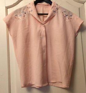 Блузка розовая с вышивкой