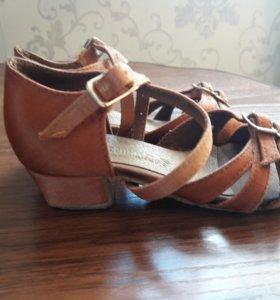 Продаю туфли для танцев 17 см.