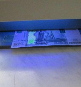 Детектор банкнот