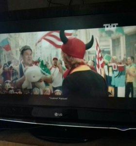 Телевизор жк LG..