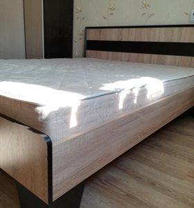 Кровать двуспальная с артопедическим матрасом