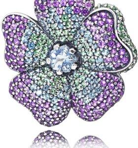 """Новая брошь с цепочкой Pandora """"цветы тропиков"""""""